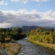 近年増加する豪雨災害対策として当社UAVグリーンレーザーで河川調査を実施。深さ2.5~3.0mで誤差5cm以内の高精度な河床データ取得に成功。